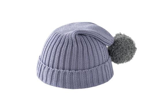 Fioletowa czapka z szarym pomponem