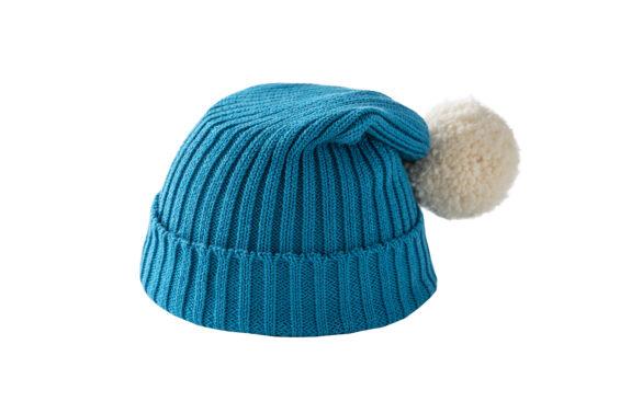 Turkusowa czapka z kremowym pomponem